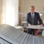Сторожинецкая больница получила дорогие медицинская мебель и оборудование