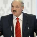 Лукашенко приказал чиновникам трудоустроить жен и любовниц