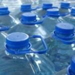 Вода из пластиковой бутылки опасней, чем водопроводная