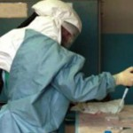 ВОЗ заявила о мутации вируса Эбола