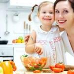 Что кушать женщинам — зависит от возраста