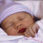 Китаянка родила сына, а через шесть дней девочек-близняшек