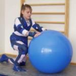 В Черновцах для детей, больных ДЦП, закупили реабилитационные костюмы